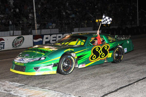 Jeff Taylor wins ACT Race in 2011 using Bassett 15x8 D-hole Lightweight Wheels.