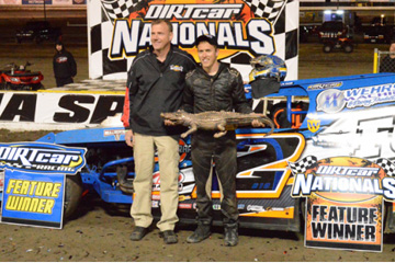 Nick Hoffman wins the 2016 Gator Nationals Modified Championship at Volusia Speedway Park using Bassett 15x8 Inertia Advantage Wheels and Beadlocks.